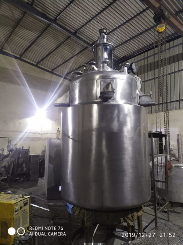 Stainless Steel Reactor with agitator vessels for the chemicals, pharmaceutical, plastics, dye, paint, food,