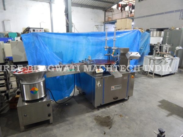cap wadding machine , cap lining machine , cap assembly machine